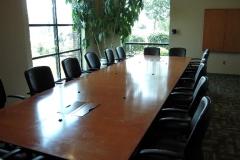 tour_boardroom_1-min