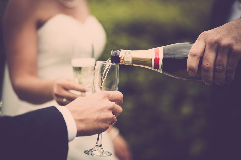Ball's Dos & Dont's for Wedding Toasts!