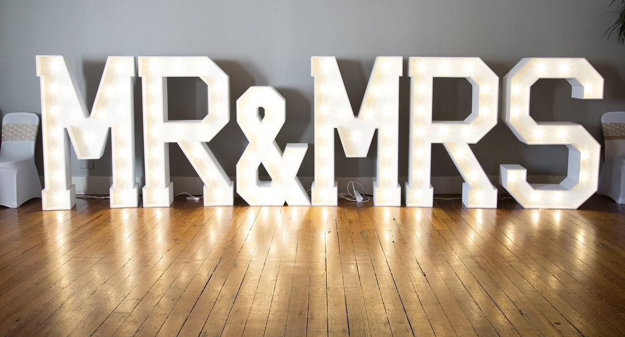 10 Ways to Transform Your Wedding Venue